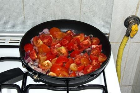 Aggiungiamo i pomodorini