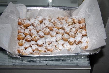 Castagnole pronte e zuccherate