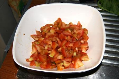 Tagliamo i pomodori