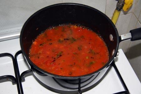Aggiungiamo l'acqua di cottura dei fagioli